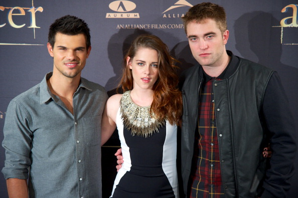 ロバート・パティンソン「The Twilight Saga: Breaking Dawn Part 2 - Madrid Photocall」:写真・画像(1)[壁紙.com]