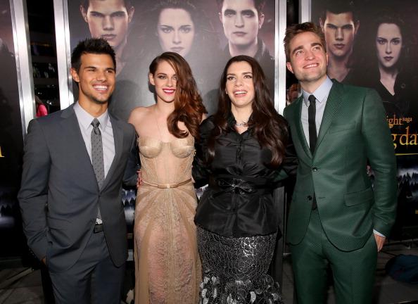 "Microsoft Theater - Los Angeles「Premiere Of Summit Entertainment's ""The Twilight Saga: Breaking Dawn - Part 2"" - Red Carpet」:写真・画像(15)[壁紙.com]"