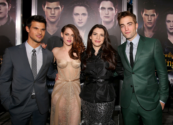ロバート・パティンソン「Premiere Of Summit Entertainment's 'The Twilight Saga: Breaking Dawn - Part 2' - Red Carpet」:写真・画像(14)[壁紙.com]