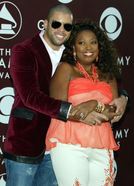 Curly Hair「The 47th Annual Grammy Awards - Arrivals」:写真・画像(8)[壁紙.com]