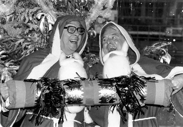 Christmas Cracker「Eric And Ernie」:写真・画像(14)[壁紙.com]
