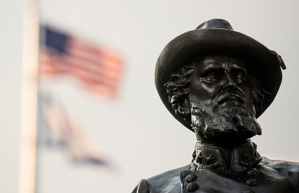 アメリカ合州国「Pleas Grow In West Virginia's Capitol Calling For The Removal Of Stonewall Jackson Monument」:写真・画像(6)[壁紙.com]