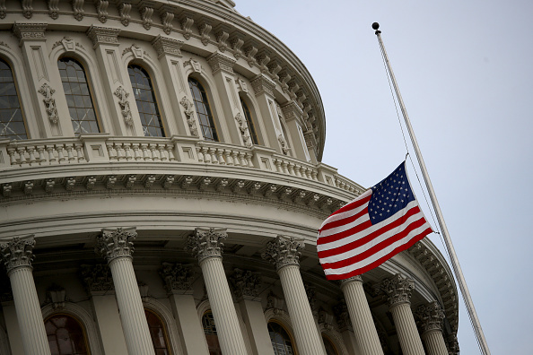 Win McNamee「Flags Fly At Half Staff In Washington DC For Mass Shooting Victims」:写真・画像(6)[壁紙.com]