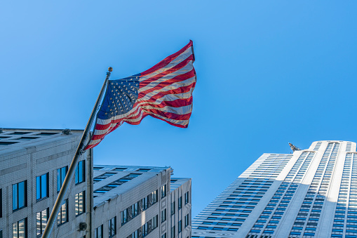 star sky「The American National Flag is swaying by wind among the building at Midtown Manhattan New York City.」:スマホ壁紙(10)