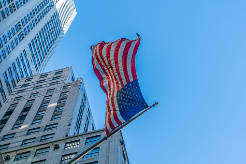 star sky「The American National Flag is swaying by wind among the building at Midtown Manhattan New York City.」:スマホ壁紙(9)