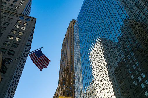 star sky「The American National Flag is swaying by wind among the building at Midtown Manhattan New York City.」:スマホ壁紙(17)