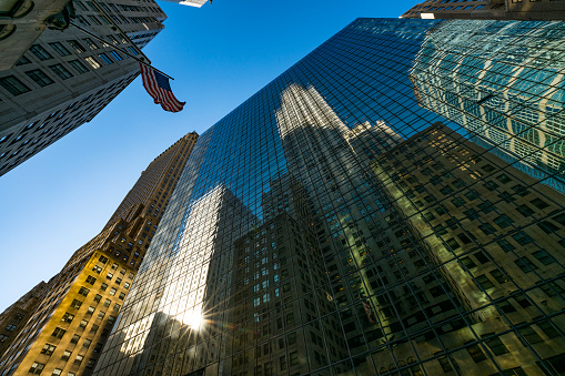 star sky「The American National Flag is swaying by wind among the building at Midtown Manhattan New York City.」:スマホ壁紙(5)