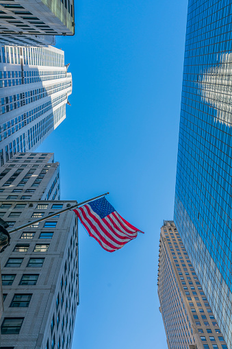 star sky「The American National Flag is swaying by wind among the building at Midtown Manhattan New York City.」:スマホ壁紙(11)