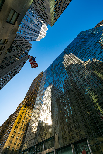 star sky「The American National Flag is swaying by wind among the building at Midtown Manhattan New York City.」:スマホ壁紙(6)