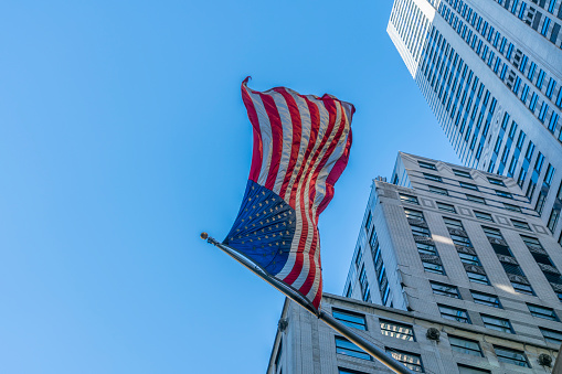 star sky「The American National Flag is swaying by wind among the building at Midtown Manhattan New York City.」:スマホ壁紙(8)