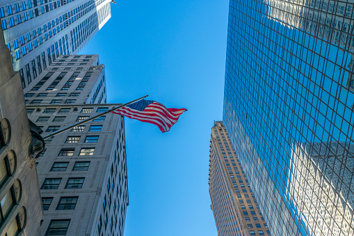 star sky「The American National Flag is swaying by wind among the building at Midtown Manhattan New York City.」:スマホ壁紙(4)