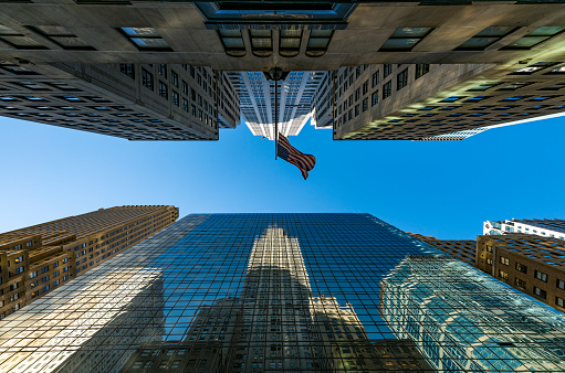 star sky「The American National Flag is swaying by wind among the building at Midtown Manhattan New York City.」:スマホ壁紙(7)