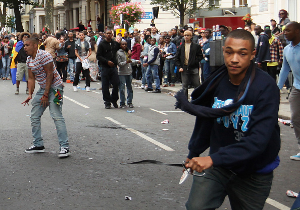 London - England「Crowds Flock To Notting Hill For 2011 Carnival」:写真・画像(8)[壁紙.com]