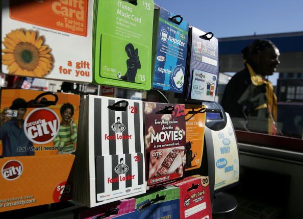 Convenience「Retailers Estimate Record Sales Of Gift Cards Over Holiday Season」:写真・画像(14)[壁紙.com]