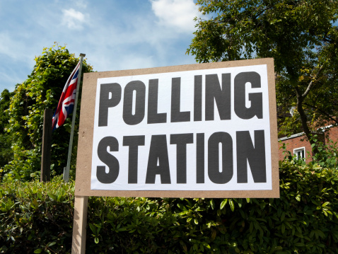 Responsibility「UK polling station sign with Union Jack」:スマホ壁紙(19)