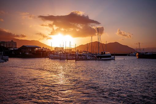 Queensland「The Pier at sunset, Cairns, Queensland, Australia」:スマホ壁紙(5)