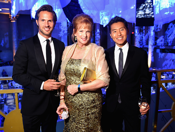 雪の結晶「11th Annual UNICEF Snowflake Ball Honoring Orlando Bloom, Mindy Grossman And Edward G. Lloyd - Inside」:写真・画像(4)[壁紙.com]