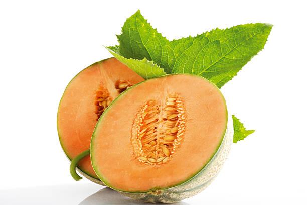 Sliced Cantaloupemelon and leaf:スマホ壁紙(壁紙.com)