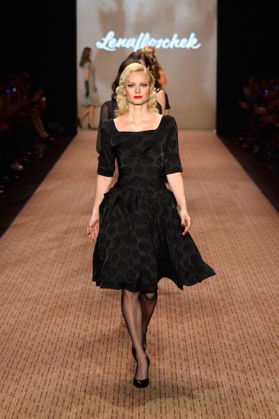 Three Quarter Length Sleeve「Lena Hoschek Show - Mercedes-Benz Fashion Week Autumn/Winter 2014/15」:写真・画像(4)[壁紙.com]