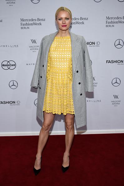 Yellow Dress「Dimitri Arrivals - Mercedes-Benz Fashion Week Berlin Autumn/Winter 2016」:写真・画像(19)[壁紙.com]