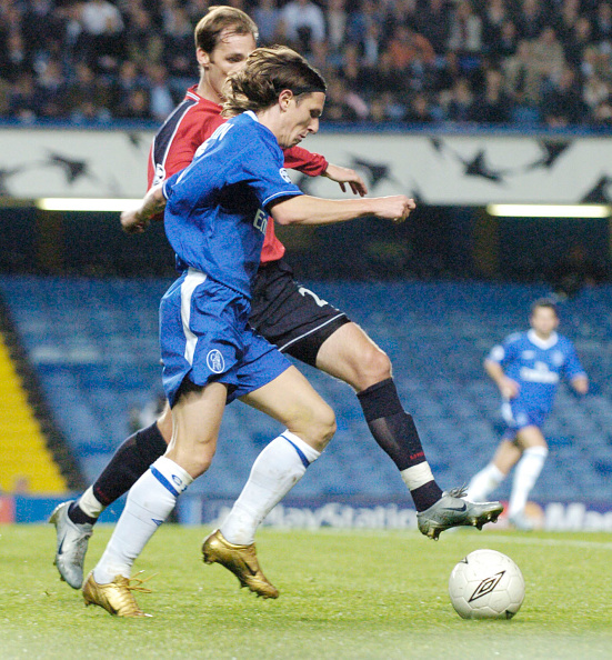David Ashdown「Chelsea v CSKA Moskva UEFA Champions League 2004」:写真・画像(17)[壁紙.com]