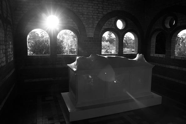 Hiding「HIDDEN: Rookwood Sculpture Walk」:写真・画像(8)[壁紙.com]