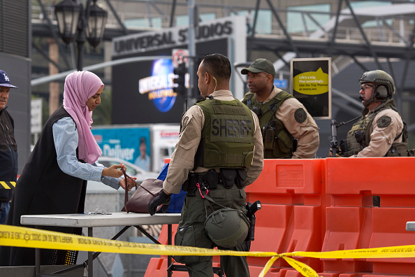 ID Card「Terror Threat To L.A. Subway System Prompts Increased Security」:写真・画像(17)[壁紙.com]
