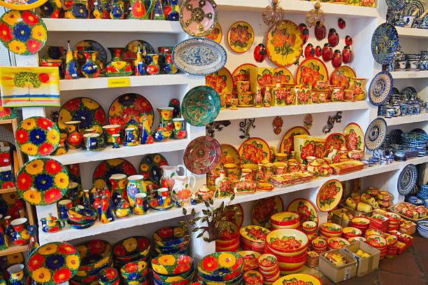 Pottery shop, Frigiliana:スマホ壁紙(壁紙.com)