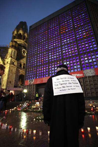 2016 Berlin Christmas Market Attack「Germany Commemorates 2016 Christmas Market Terror Attack」:写真・画像(12)[壁紙.com]