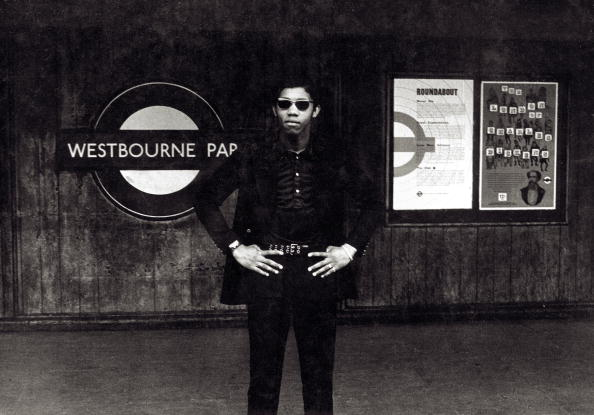 Black History in the UK「Waiting For The Tube」:写真・画像(13)[壁紙.com]