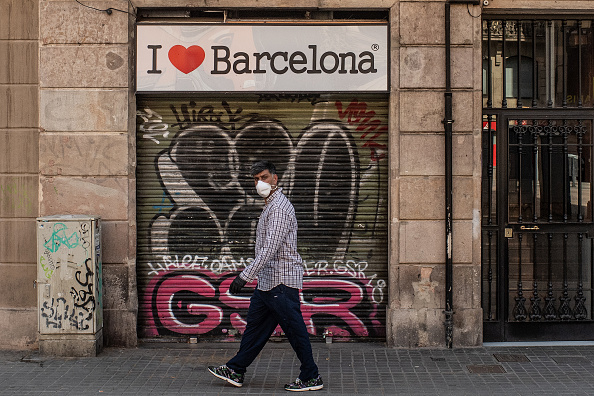 Spain「Spain Allows Some Businesses To Reopen As It Eases Coronavirus Lockdown」:写真・画像(11)[壁紙.com]