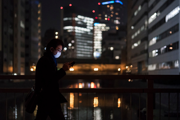 Mobile Phone「Concern In Japan As The Wuhan Covid-19 Spreads」:写真・画像(12)[壁紙.com]
