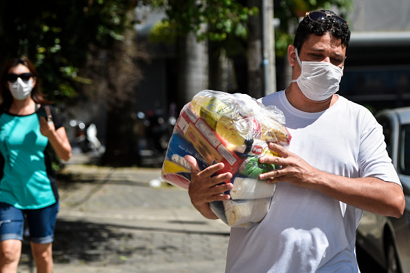 Infectious Disease「City Hall of Belo Horizonte Distributes Basic Food Supplies to Families of Municipal Schools Students Due to the Coronavirus (COVID - 19) Pandemic」:写真・画像(3)[壁紙.com]