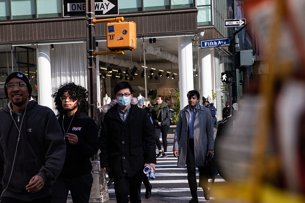 Street「New York City On Edge As Coronavirus Spreads」:写真・画像(5)[壁紙.com]