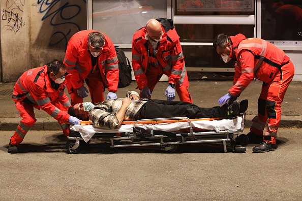 Italy「Italy Continues Nationwide Lockdown To Control Coronavirus Pandemic」:写真・画像(5)[壁紙.com]
