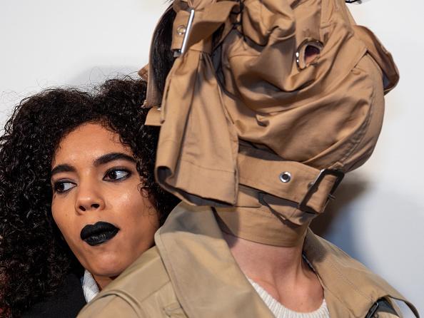 ロンドンファッションウィーク「Backstage at London Fashion Week」:写真・画像(15)[壁紙.com]
