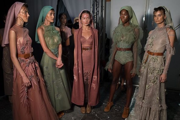 Dubai Fashion Week「Amato - Backstage - Dubai FFWD Spring/Summer 2017」:写真・画像(0)[壁紙.com]