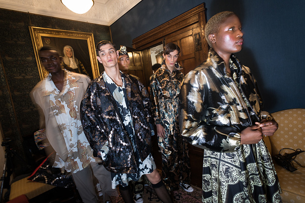 London Fashion Week「Edward Crutchley - Backstage - LFWM June 2017」:写真・画像(1)[壁紙.com]