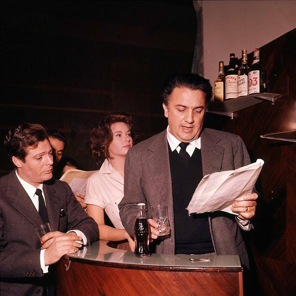 Cigarette「Italian film director Federico Fellini is with Italian actress Lea Massari and actor Marcello Mastroianni during the audition for the movie 'La Dolce Vita', Rome 1959」:写真・画像(18)[壁紙.com]
