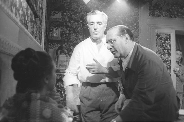 Roberto Rossellini - Film Director「Film director Roberto Rossellini with Vittorio De Sica and Sandra Milo during the movie 'General della Rovere' 1959」:写真・画像(6)[壁紙.com]