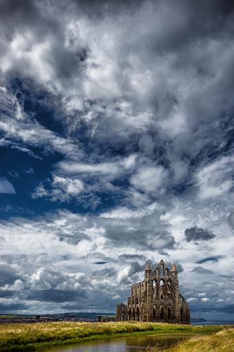 Gothic Style「Whitby clifftop」:スマホ壁紙(7)