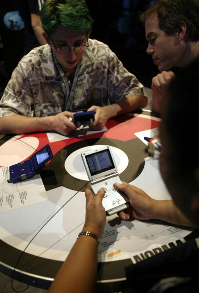 Wireless Technology「2004 Electronic Entertainment Expo Kicks Off In Los Angeles」:写真・画像(19)[壁紙.com]