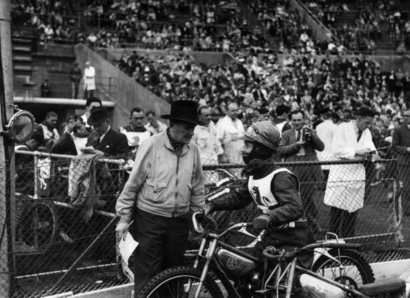Motor Racing Track「Speedway Rider」:写真・画像(7)[壁紙.com]