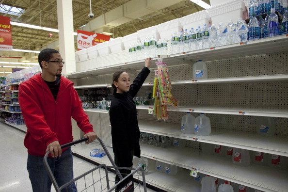 Emergency Planning「Mid Atlantic Coast Prepares For Hurricane Sandy」:写真・画像(10)[壁紙.com]