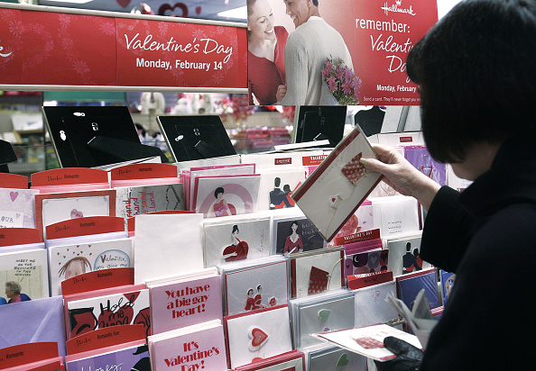 バレンタイン「Shoppers Prepare For Valentines Day」:写真・画像(8)[壁紙.com]