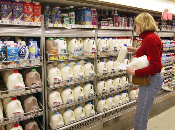 Milk「Milk Prices Set To Rise Sharply」:写真・画像(1)[壁紙.com]