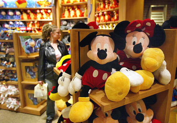 Stuffed「Disney Plans To Sell Stores And Mighty Ducks」:写真・画像(1)[壁紙.com]