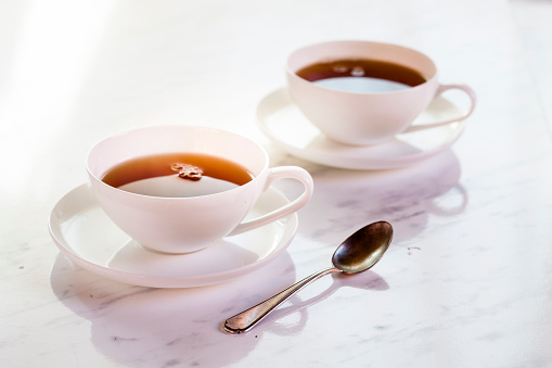 Teaspoon「Black tea in two white porcellain cups」:スマホ壁紙(14)