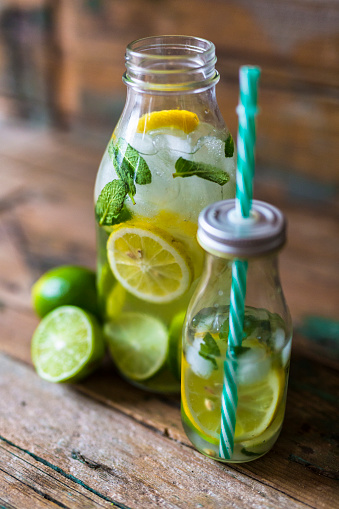 Detox「Glass bottles of infused water with lemon, lime, mint leaves and ice cubes」:スマホ壁紙(12)