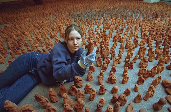 Pottery「Field By Antony Gormley」:写真・画像(18)[壁紙.com]